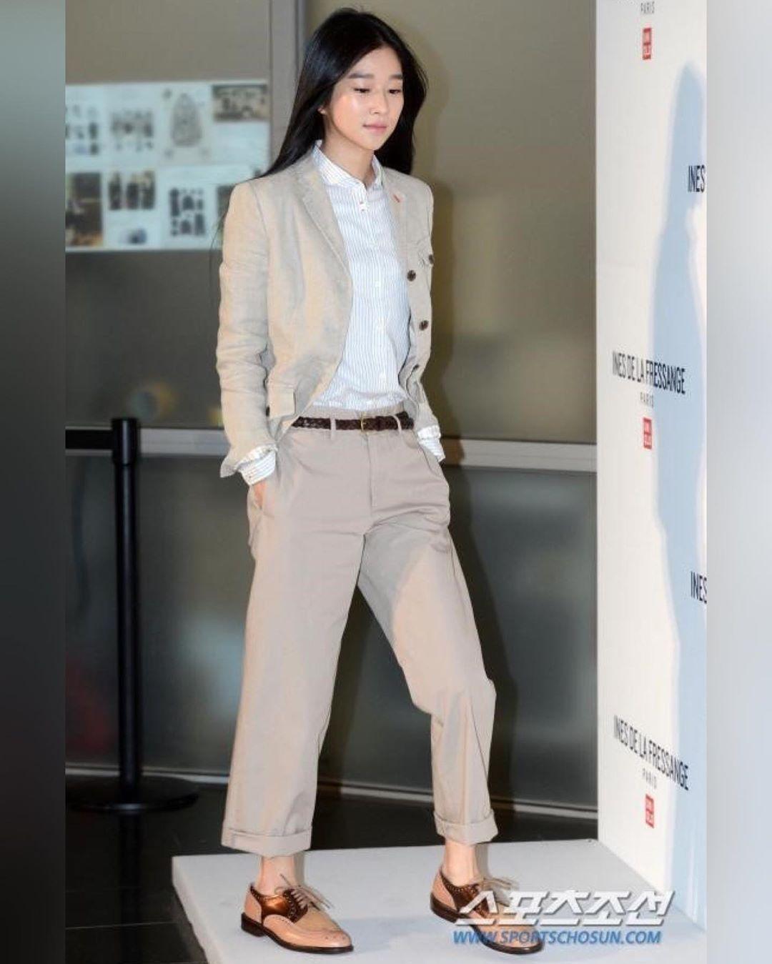 Chân dài nổi tiếng nhưng Seo Ye Ji cũng từng dìm dáng thảm hại vì chọn nhầm bộ suit khiến chân ngắn một mẩu - Ảnh 2.
