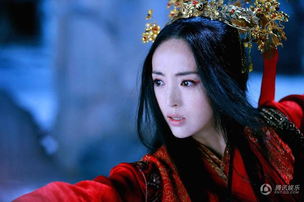 """""""Hộc Châu phu nhân"""": Lộ thêm tạo hình nữ tính của Dương Mịch nhưng trang phục, đầu tóc cứ già dặn thế nào ấy - Ảnh 9."""