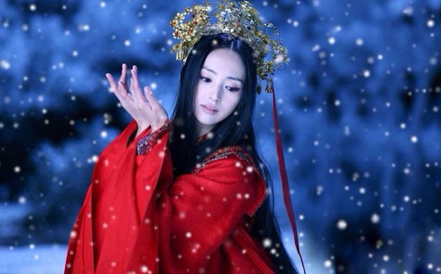 """""""Hộc Châu phu nhân"""": Lộ thêm tạo hình nữ tính của Dương Mịch nhưng trang phục, đầu tóc cứ già dặn thế nào ấy - Ảnh 7."""
