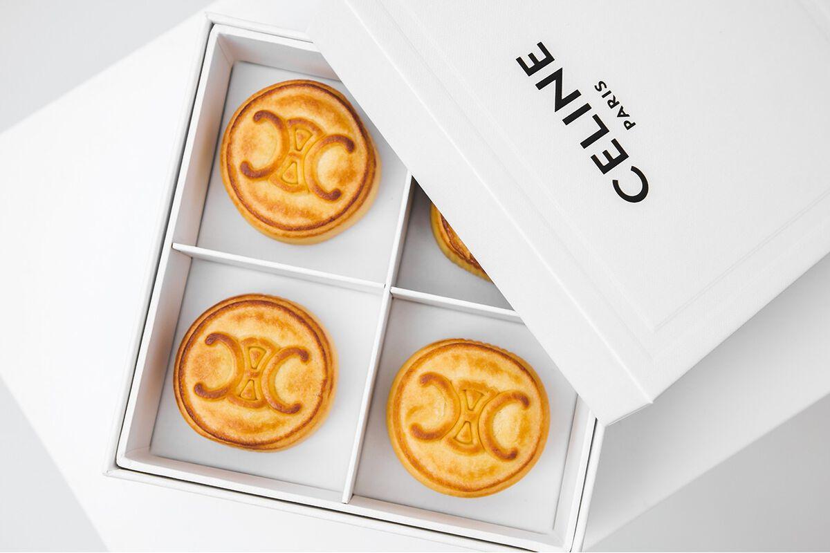 """Tận mắt những hộp bánh Trung thu của các nhà mốt nổi tiếng thế giới, chỉ ngắm độ """"sang chảnh"""" cũng biết ngon miệng rồi - Ảnh 8."""