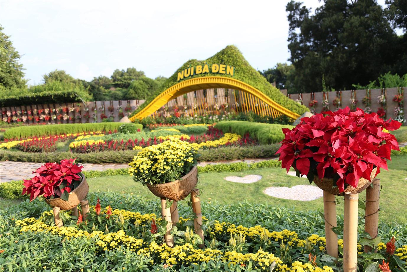 Vì sao Tây Ninh là lựa chọn hàng đầu tại miền Nam mùa Trung thu năm nay? - Ảnh 3.