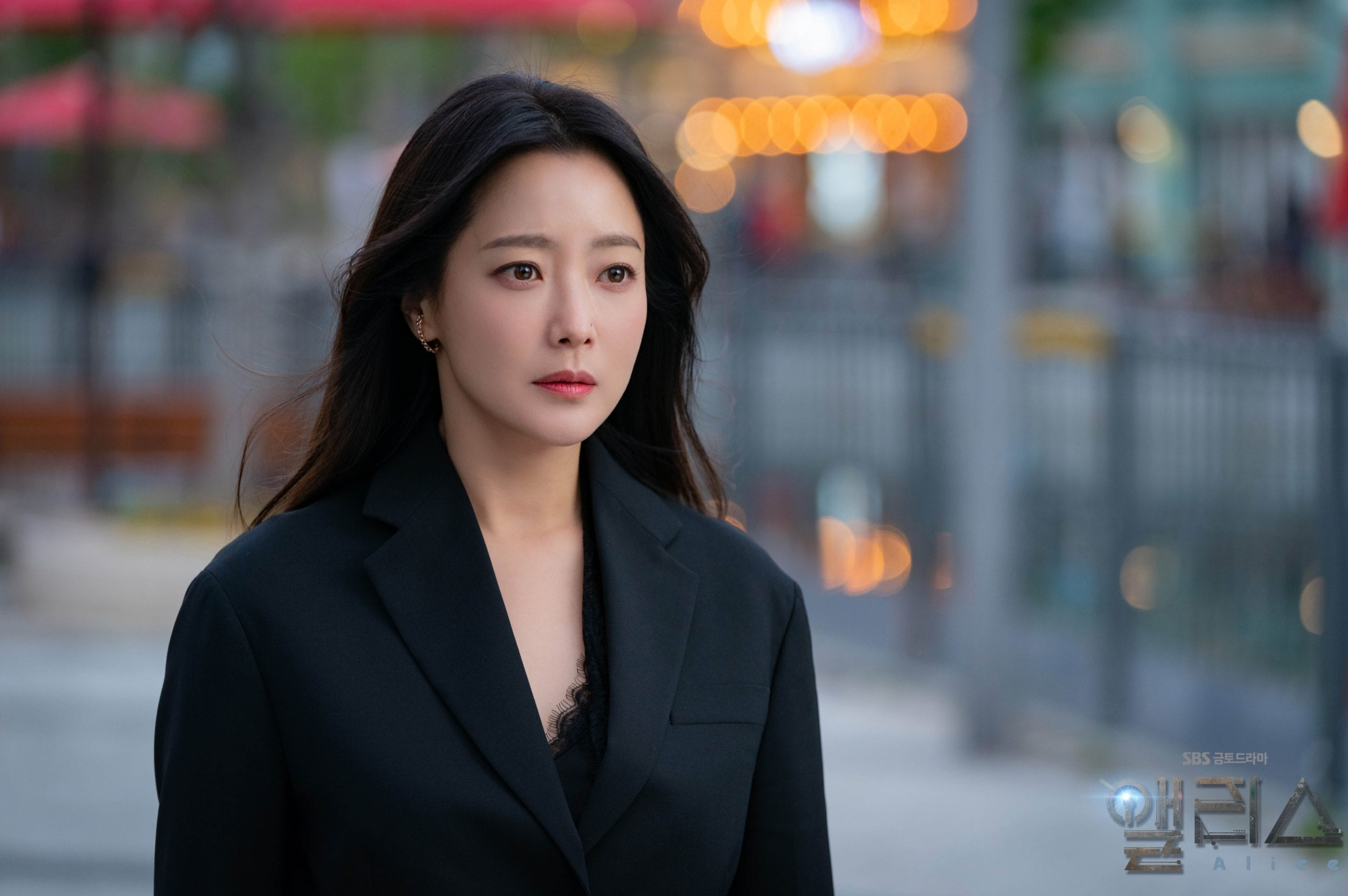 """Gặp phải """"quốc bảo nhan sắc"""" Kim Hee Sun thì có là Seo Ye Ji hay Irene đều phải chịu thua khi đụng hàng - Ảnh 3."""