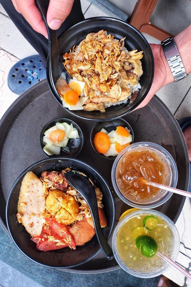 """Ấm bụng ngày mát trời với 6 quán xôi đêm nổi tiếng Hà thành, với topping lúc nào cũng """"ngập mặt"""", thơm ngon hấp dẫn - Ảnh 14."""
