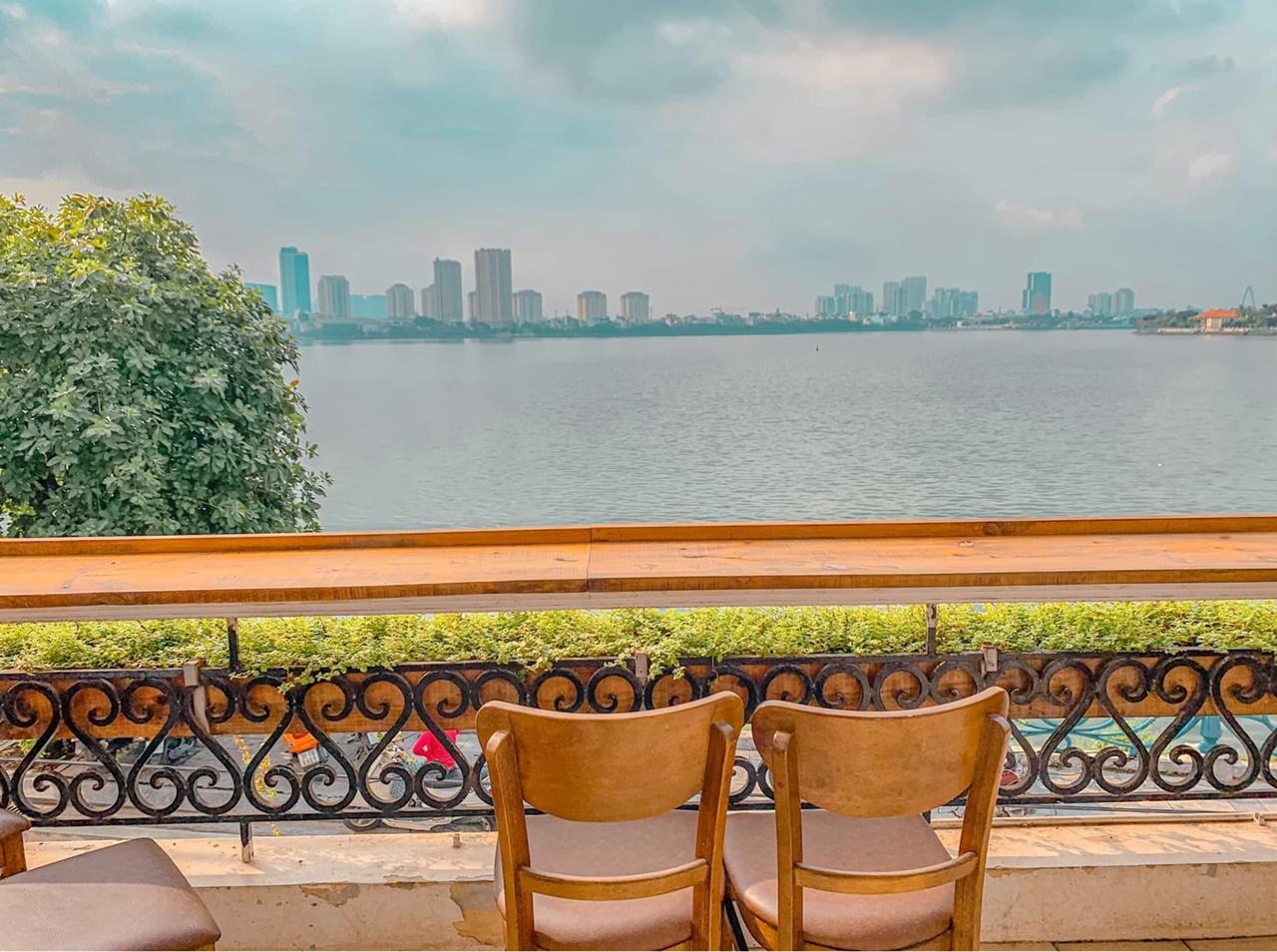 """5 quán cafe view ngay bờ hồ Tây siêu đẹp dành cho chị em đi chơi """"sống ảo"""" cuối tuần - Ảnh 8."""