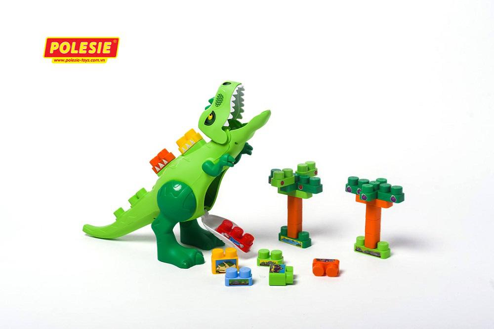 Nguy cơ tiềm tàng với trẻ nhỏ từ những món đồ chơi sử dụng  pin - Ảnh 1.