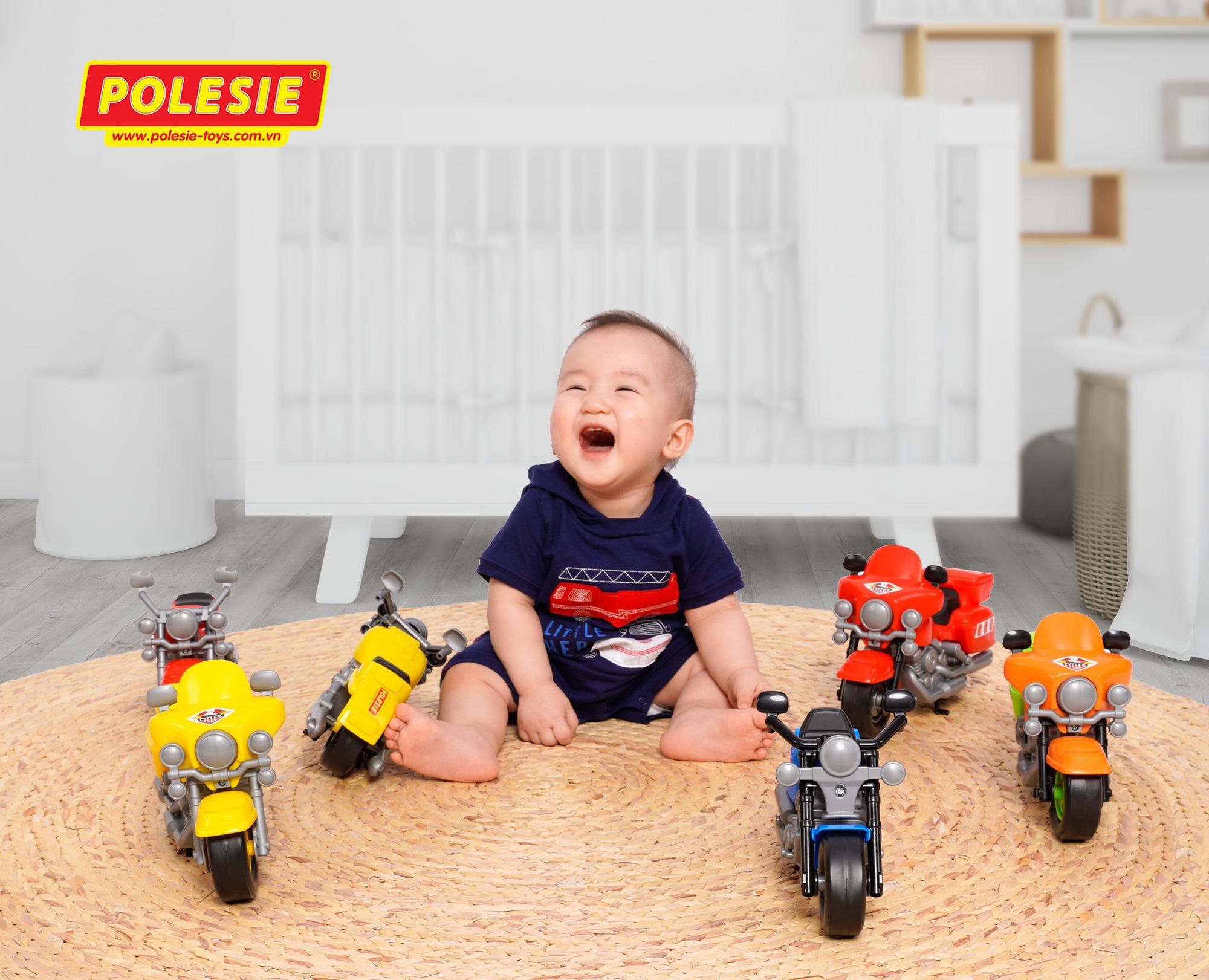 Nguy cơ tiềm tàng với trẻ nhỏ từ những món đồ chơi sử dụng  pin - Ảnh 2.