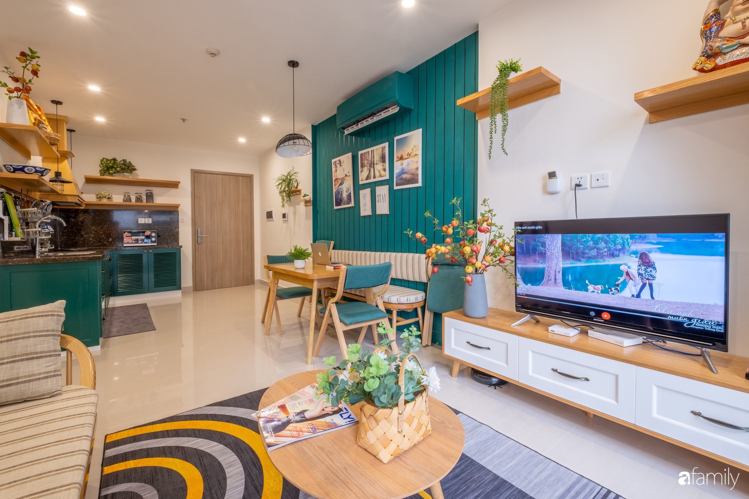 Căn hộ 54m² đẹp cuốn hút với tông màu xanh gần gũi với thiên nhiên có chi phí hoàn thiện nội thất 150 triệu đồng ở Hà Nội - Ảnh 1.