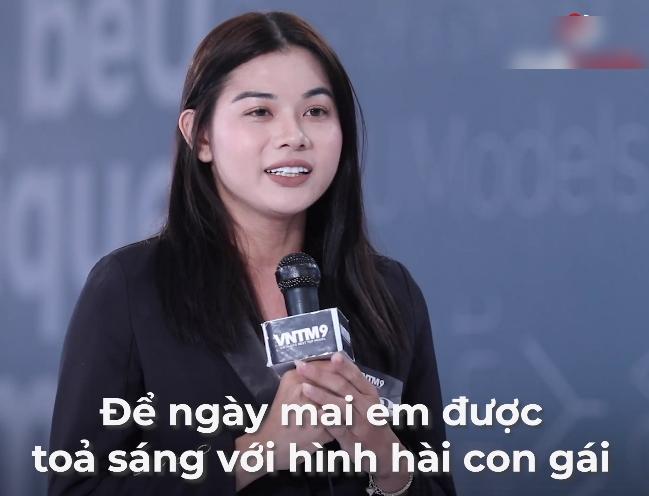 """Vietnam's Next Top Model: Thí sinh chuyển giới quay lại thi người mẫu vì lời hứa năm xưa, vừa xuất hiện Võ Hoàng Yến đã gay gắt """"đi thi bà ngoại cho mượn đồ hả?"""" - Ảnh 7."""