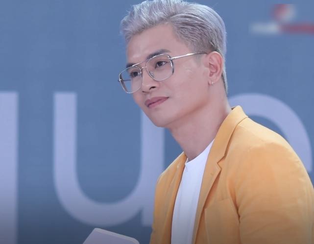 """Vietnam's Next Top Model: Thí sinh chuyển giới quay lại thi người mẫu vì lời hứa năm xưa, vừa xuất hiện Võ Hoàng Yến đã gay gắt """"đi thi bà ngoại cho mượn đồ hả?"""" - Ảnh 8."""