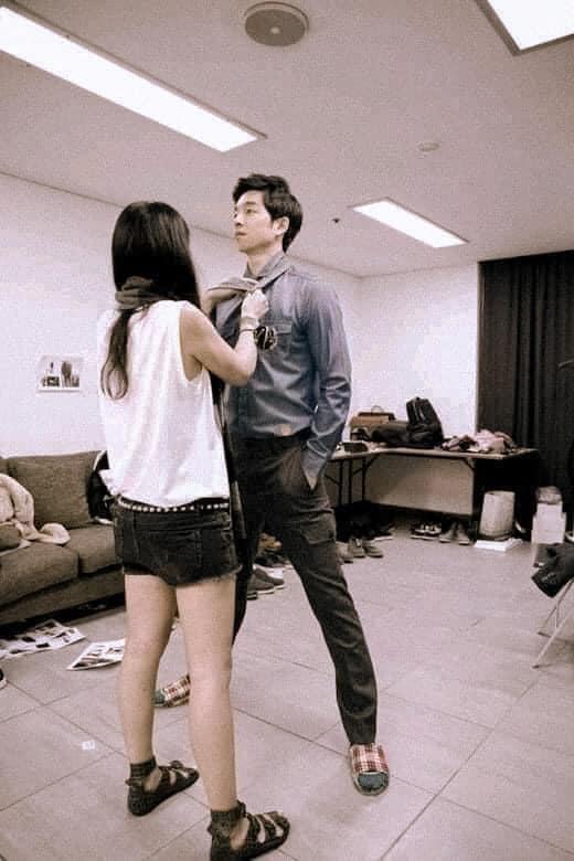 Làm stylist, makeup cho sao nam Hàn là sướng nhất: Được ngắm trai đẹp còn có cả loạt khoảnh khắc thòng tim như ngôn tình đời thực - Ảnh 3.
