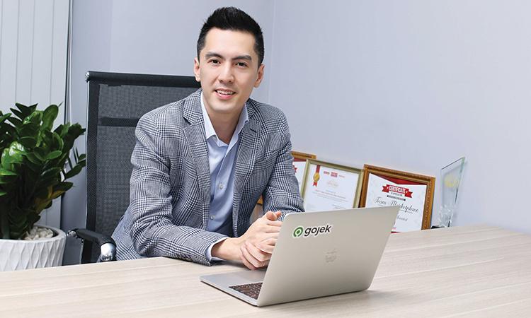 Soi profile 'khủng' của CEO Gojek Việt Nam: Không chỉ đẹp trai như tài tử điện ảnh, nhìn vào thành tích học tập mà ai cũng phải nể - Ảnh 4.