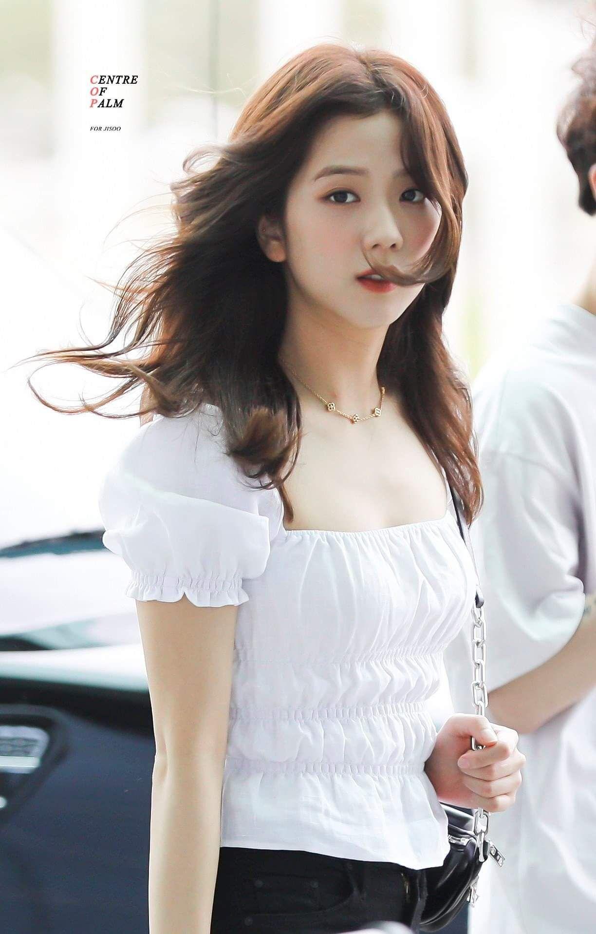Jisoo có một điểm tuyệt phẩm ít người để ý nhưng lại giúp cô luôn đẹp như nữ chính ngôn tình tại sân bay - Ảnh 3.