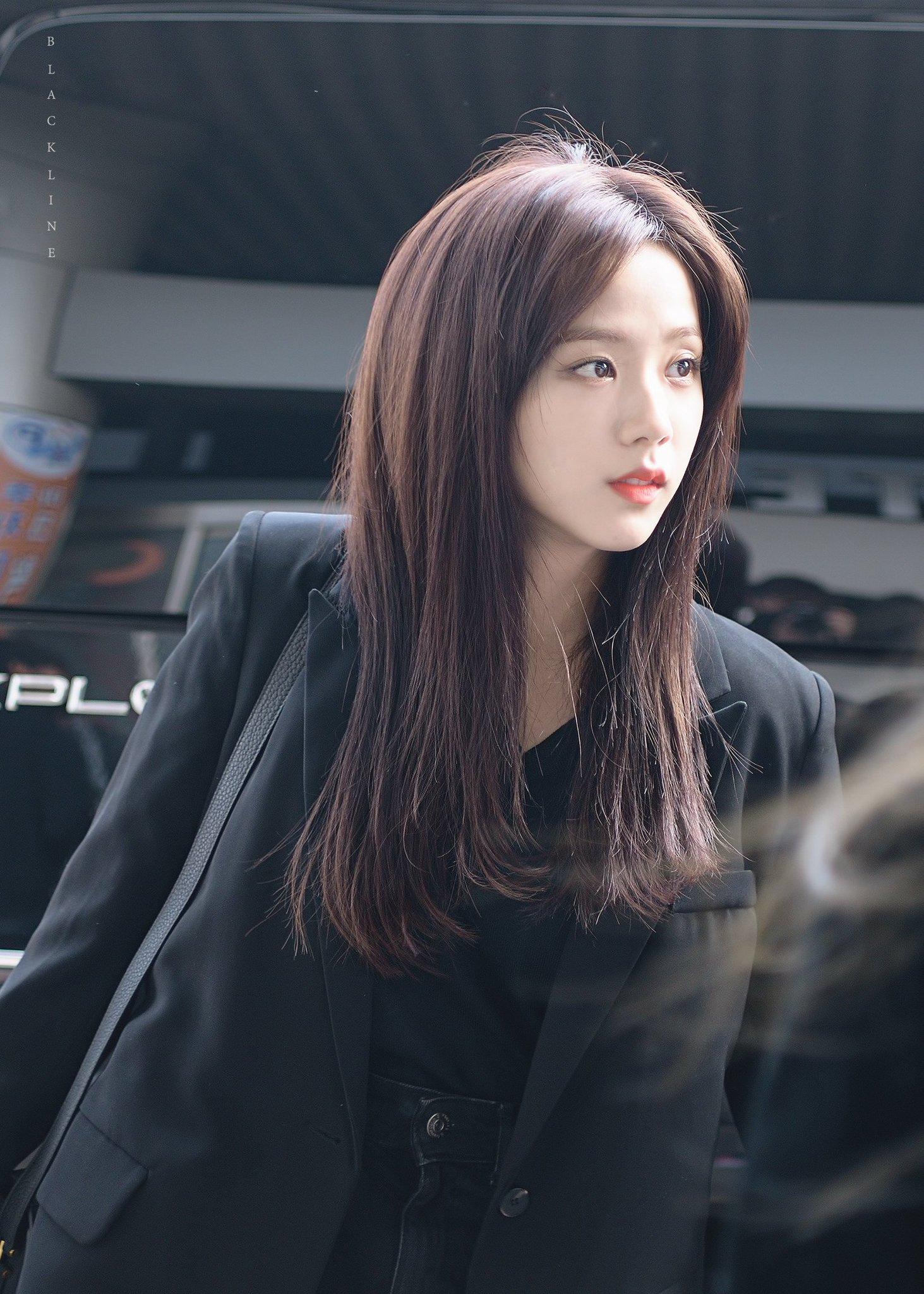 Jisoo có một điểm tuyệt phẩm ít người để ý nhưng lại giúp cô luôn đẹp như nữ chính ngôn tình tại sân bay - Ảnh 11.