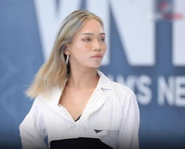 """Vietnam's Next Top Model: Thí sinh cosplay màn nhào lộn """"thảm họa"""" của Minh Hằng khiến Nam Trung - Võ Hoàng Yến đứng hình - Ảnh 1."""