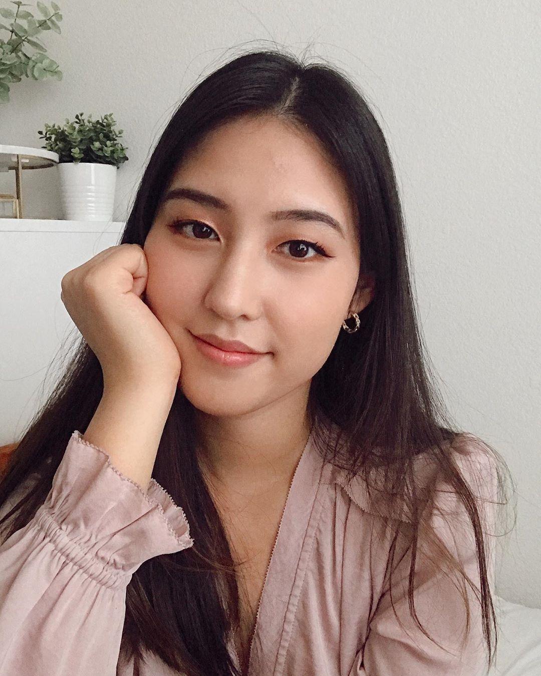 """Nàng blogger chỉ đích danh 4 món mỹ phẩm Hàn gây thất vọng toàn tập, các nàng nên ghim ngay để tránh """"mất tiền oan"""" - Ảnh 1."""