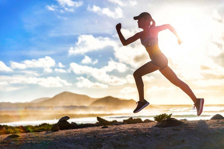 Tập thể dục rất tốt nhưng riêng phụ nữ cần tránh 3 sai lầm dưới đây để không làm tổn thương tử cung và ảnh hưởng đến cơ quan sinh sản - Ảnh 3.