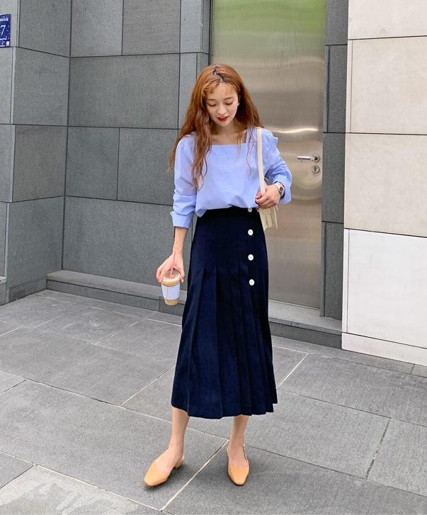 Áo blouse trơn màu đúng là chân ái của nàng công sở, có đến 10 cách diện mà cách nào cũng sang xịn hết cỡ - Ảnh 3.