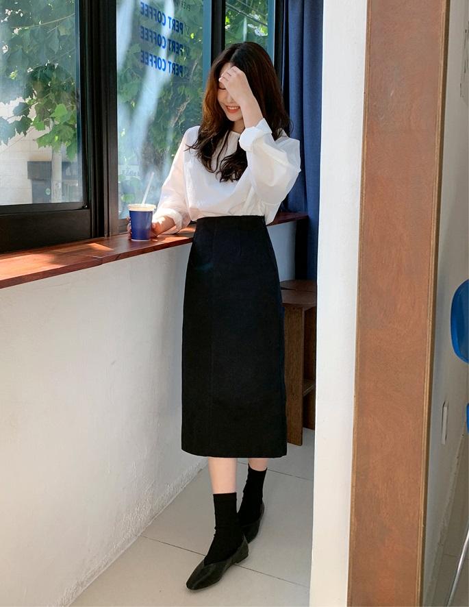 Áo blouse trơn màu đúng là chân ái của nàng công sở, có đến 10 cách diện mà cách nào cũng sang xịn hết cỡ - Ảnh 7.