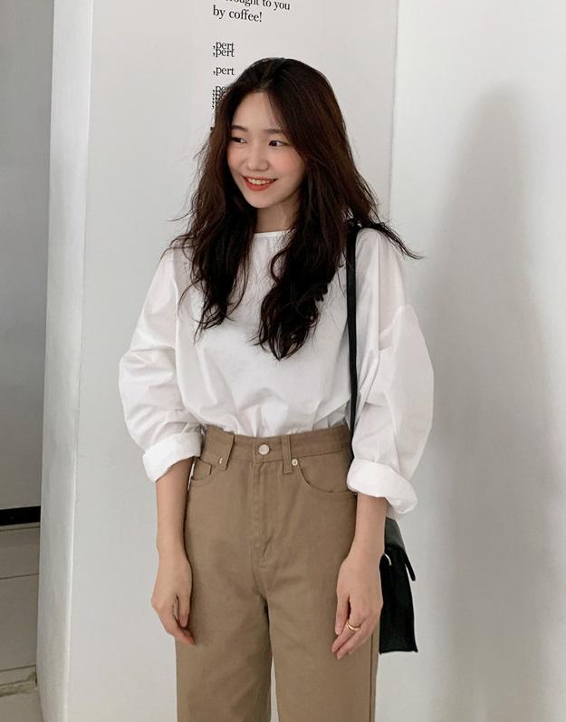 Áo blouse trơn màu đúng là chân ái của nàng công sở, có đến 10 cách diện mà cách nào cũng sang xịn hết cỡ - Ảnh 2.