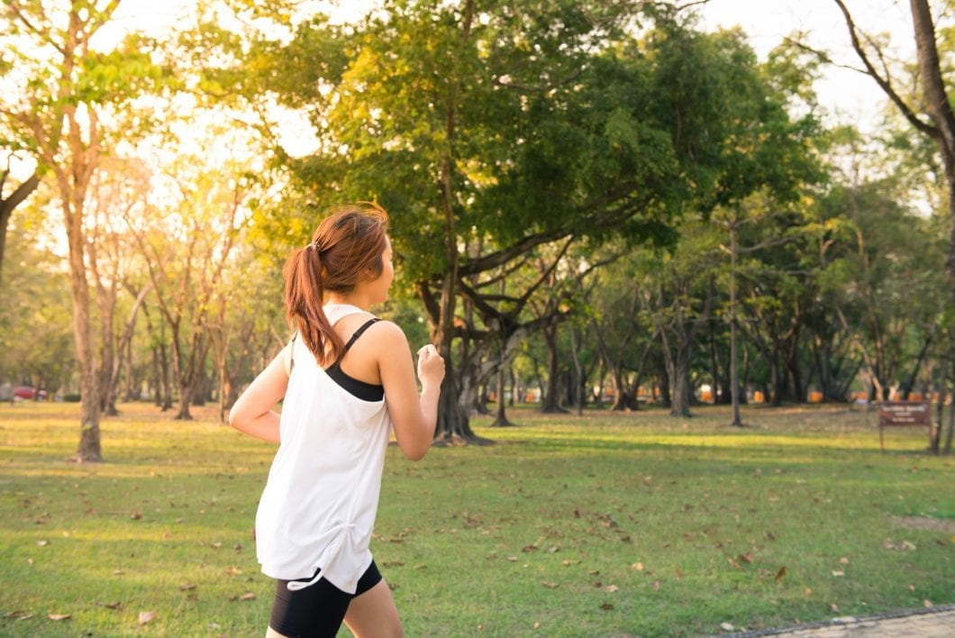 """Chạy bộ rất tốt để giảm cân và rèn luyện sức khỏe nhưng nếu chị em thực hiện trong 3 """"khung giờ vàng"""" này thì hiệu quả sẽ còn tăng lên gấp bội - Ảnh 3."""