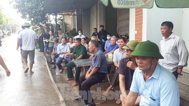 Đồng đội, làng xóm tiếc thương cảnh sát cơ động hi sinh ở Bắc Giang - Ảnh 6.