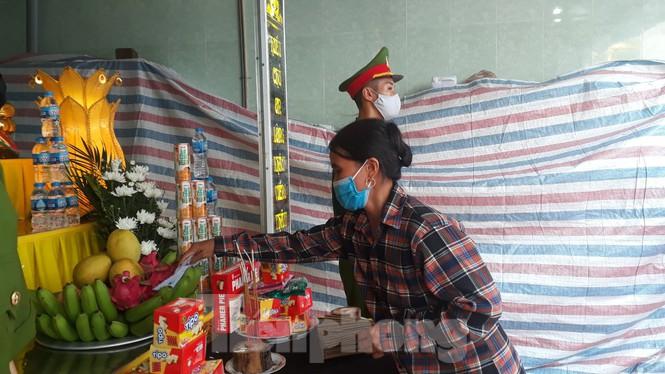 Đồng đội, làng xóm tiếc thương cảnh sát cơ động hi sinh ở Bắc Giang - Ảnh 3.