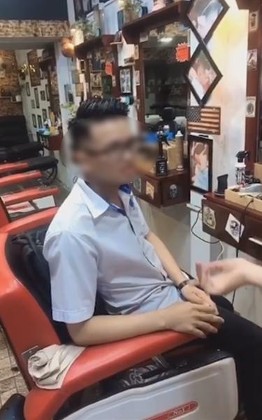 """Bất ngờ """"hot"""" trở lại video nam thanh niên cắt tóc tạo kiểu xong không trả tiền, """"hút"""" cả triệu view trên Tiktok chỉ sau ít ngày đăng tải - Ảnh 1."""