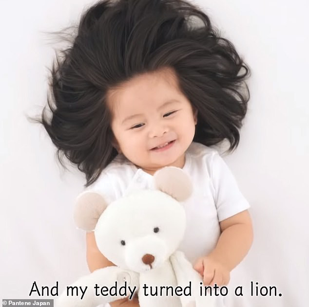 Từng khiến cư dân mạng trầm trồ vì hãng dầu gội danh tiếng mời quảng cáo, hình ảnh hiện tại của cô bé tóc xù càng khiến mọi người bất ngờ hơn - Ảnh 5.