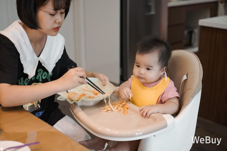 """Yếm ăn dặm tàu vũ trụ: Có phải là """"bảo bối"""" cho mẹ bỉm sữa dễ thở hơn khi để con ăn dặm BLW? - Ảnh 14."""