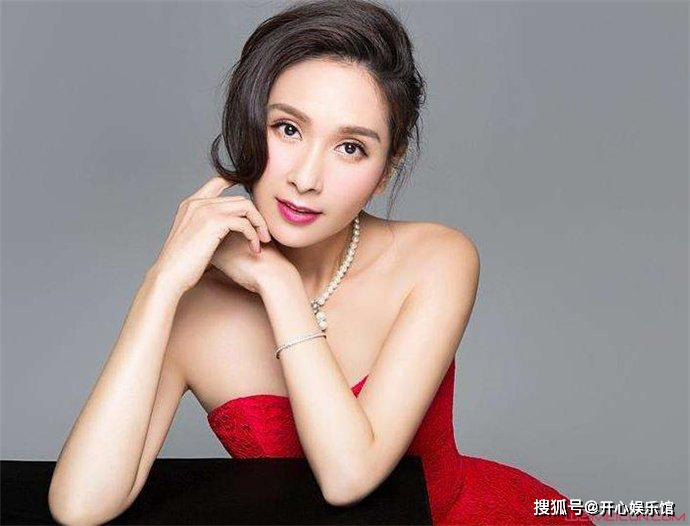 Vụ đánh ghen huyền thoại Cbiz: Hoa hậu châu Á đẹp nhất lịch sử bị chính thất tát tới tấp, thân bại danh liệt và sự thật sáng tỏ sau 5 năm - Ảnh 2.