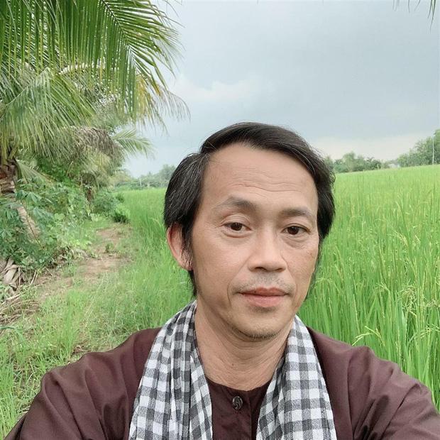 Giật mình với sự chênh lệch tuổi tác của Hoài Linh và Lý Hải, so sánh ngoại hình càng sốc hơn - Ảnh 7.