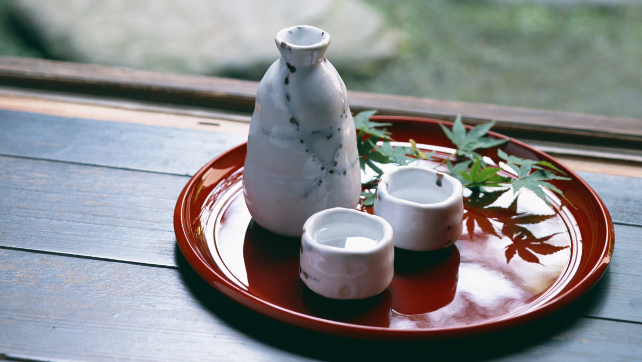 """Tại sao người Nhật ăn nhiều bữa, """"lười"""" tập thể dục mà tuổi thọ liên tục đứng đầu thế giới? Nhìn 3 cách họ uống nước bạn sẽ có ngay câu trả lời - Ảnh 2."""