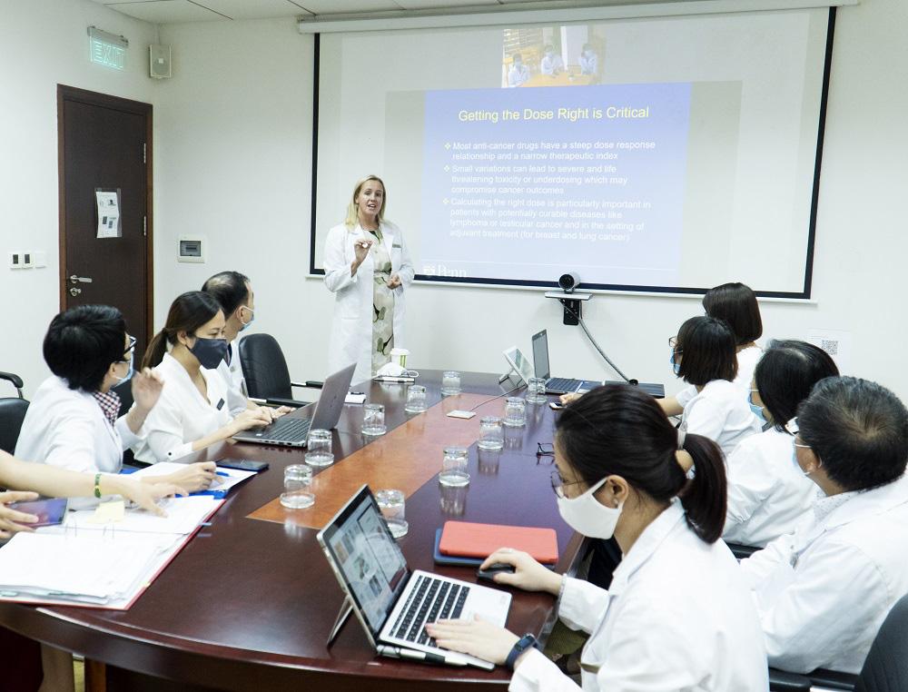 """Hợp tác với các đối tác hàng đầu thế giới, Vinmec """"đón đầu"""" công nghệ điều trị ung bướu tại Việt Nam - Ảnh 3."""