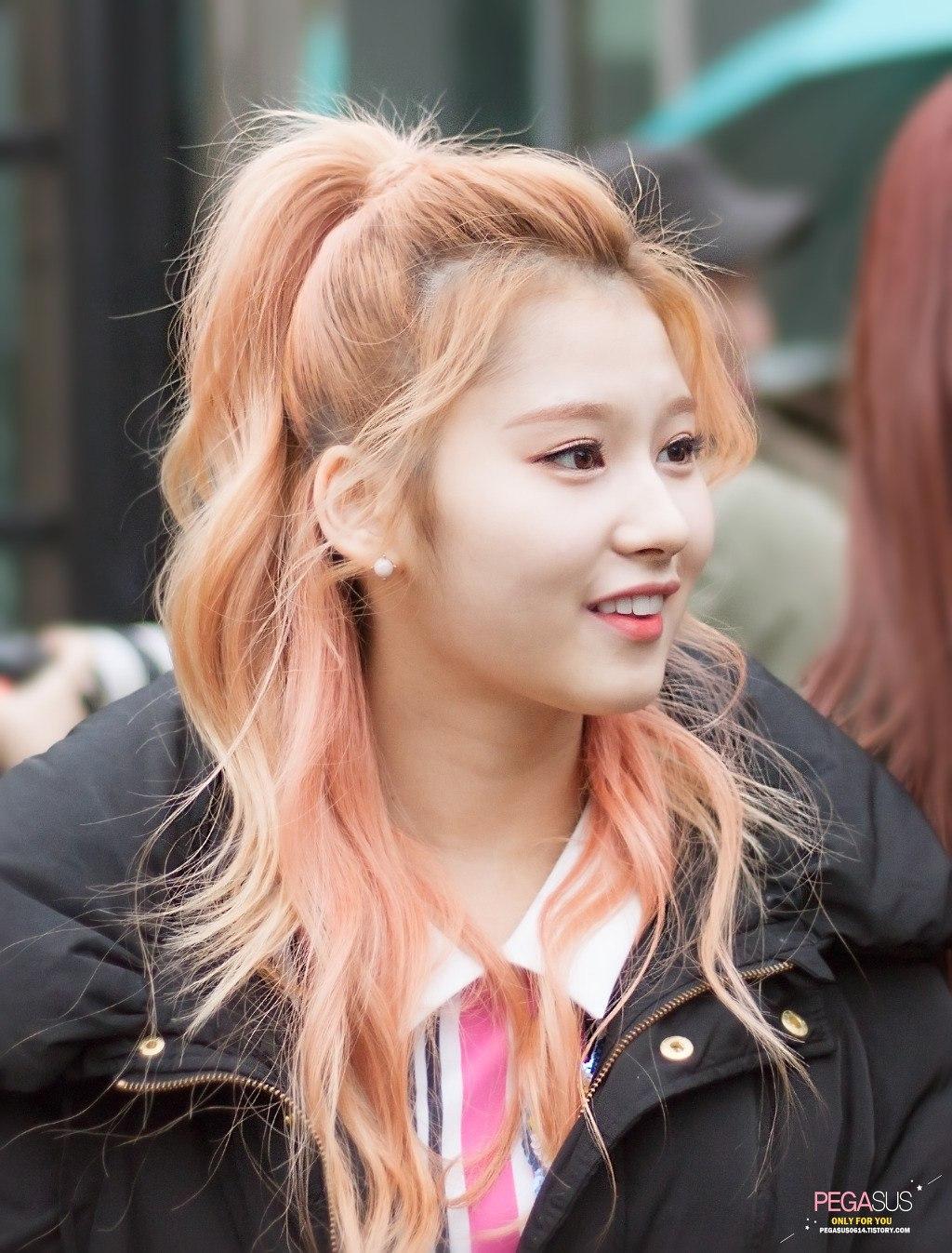 """Cứ nói mãi về Tzuyu mà quên mất Twice còn có một mỹ nhân với nhan sắc đỉnh đến độ """"cân"""" hết được mọi kiểu tóc - Ảnh 10."""