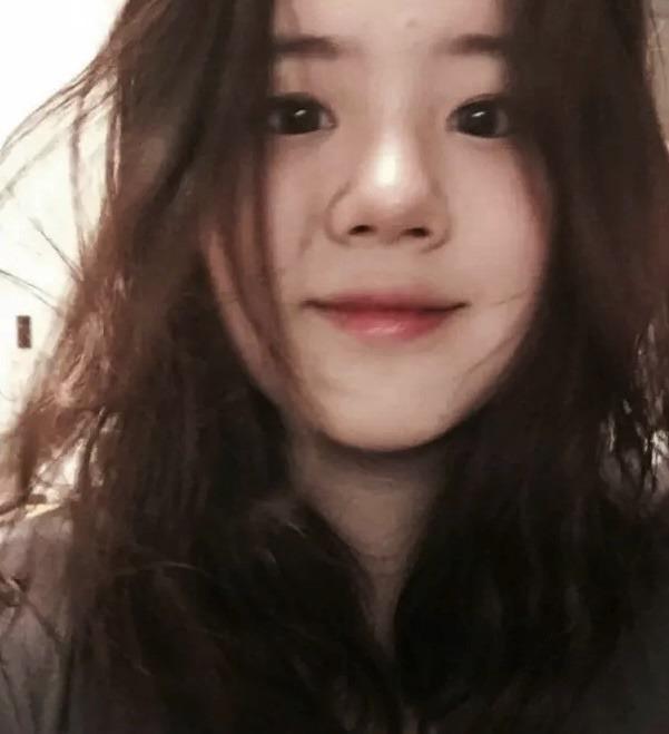 """Những hình ảnh hiếm hoi của con gái Go Hyun Jung, ngoại hình sang chảnh đúng chuẩn con cháu """"đế chế Samsung""""  - Ảnh 2."""