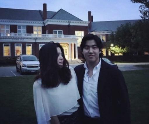 """Những hình ảnh hiếm hoi của con gái Go Hyun Jung, ngoại hình sang chảnh đúng chuẩn con cháu """"đế chế Samsung""""  - Ảnh 3."""