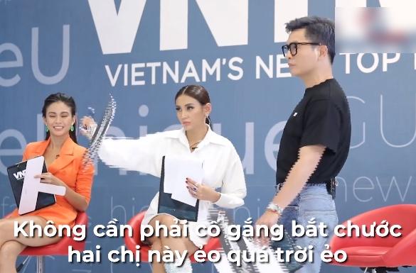 """Vietnam's Next Top Model: Nam Trung gay gắt với """"bản sao"""" Vũ Thu Phương vì đi quá ưỡn """"em đẩy xe trái cây đi đâu?"""" - Ảnh 5."""