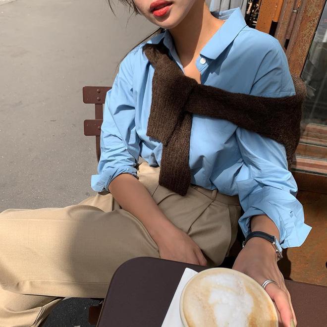 9 kiểu diện cardigan hờ hững, buông lơi học từ gái Hàn đến gái Pháp chuẩn chỉnh cho ngày hanh hao gió mùa - Ảnh 4.