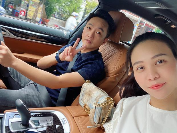 Đàm Thu Trang khoe khoảnh khắc cực yêu của con gái, nhìn tay chân mũm mĩm mà ai cũng xuýt xoa - Ảnh 4.