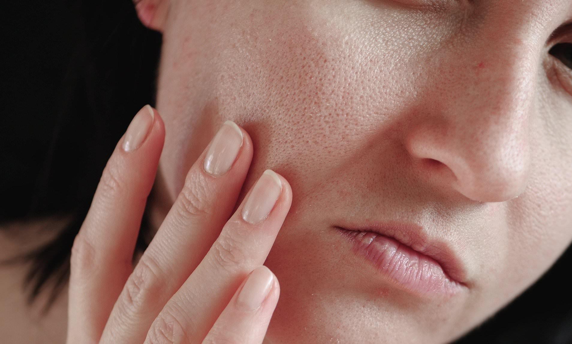 Một loại Vitamin siêu dưỡng ẩm dành cho da khô, khả năng chống già chẳng thua Vit C mà giá cực mềm được hội chị em dùng ầm ầm trong mùa Thu - Ảnh 1.