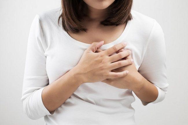 Người phụ nữ lên cơn đau tim 2 lần trong 3 ngày vì mắc một căn bệnh dễ chẩn đoán sai - Ảnh 1.