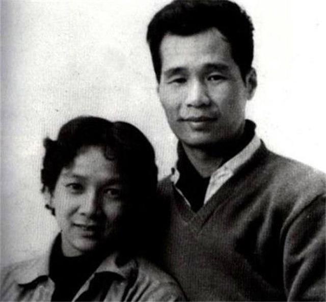 Hôn thê biến mất trong lúc bàn hôn sự, chàng trai quyết định cưới cô nàng khuyết tật và hạnh phúc suốt 64 năm  - Ảnh 1.