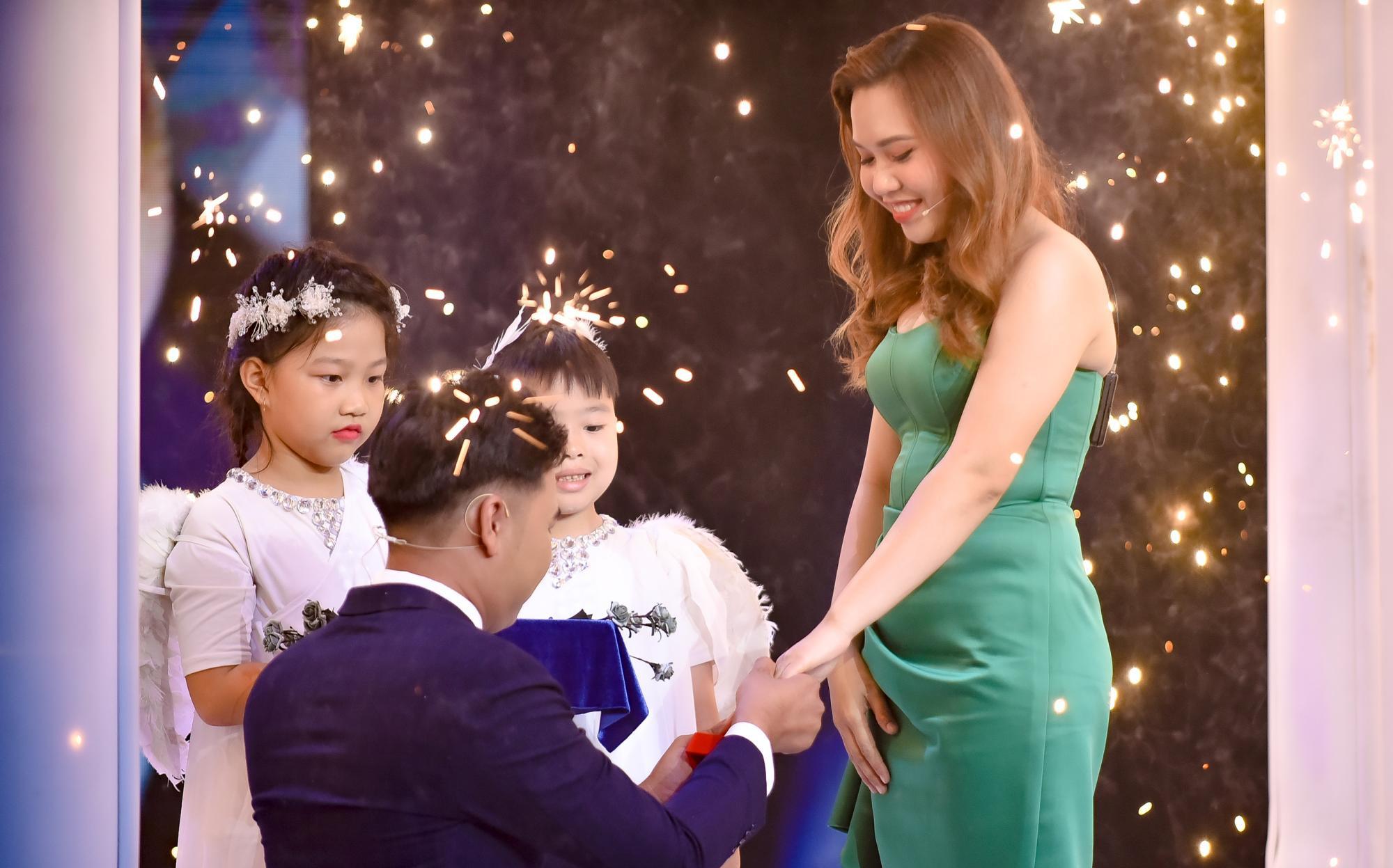 Mẹ đơn thân được chàng trai 24 tuổi cầu hôn ở show mai mối của Xuân Bắc - H'Hen Niê