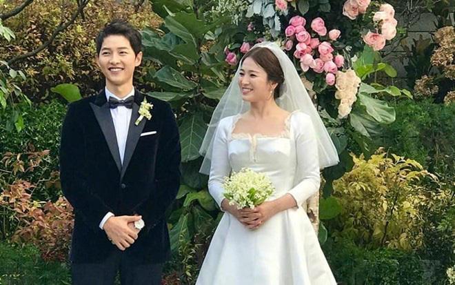 """Dân mạng soi ra """"ẩn tình"""" vụ Song Hye Kyo đăng hình bầu trời đúng ngày sinh nhật chồng cũ, hóa ra nữ diễn viên từng làm hành động tương tự vào năm 2016?"""