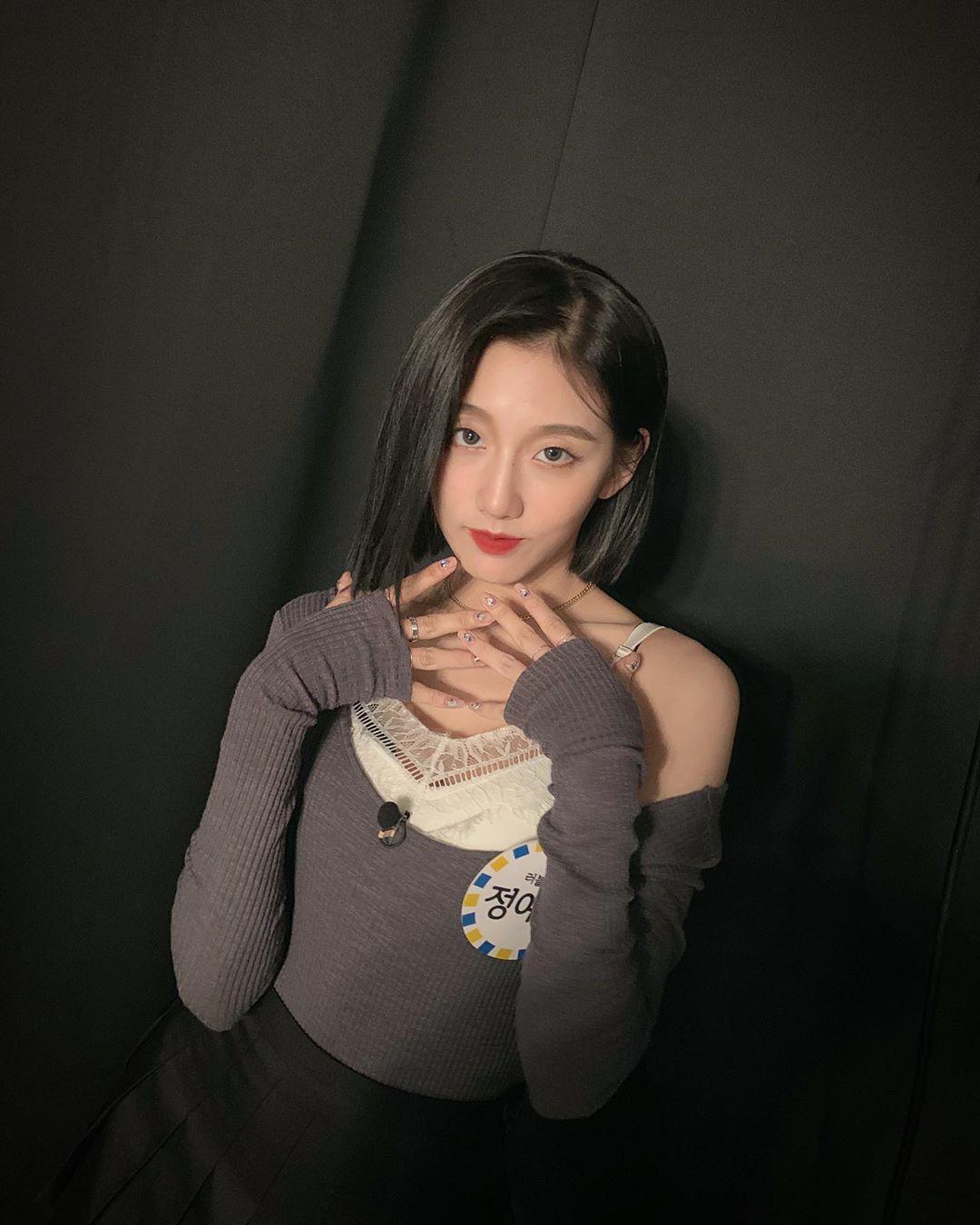 Idol Hàn có tuyệt chiêu kéo lệch áo lả lơi siêu sexy mà vẫn sang chảnh - Ảnh 9.