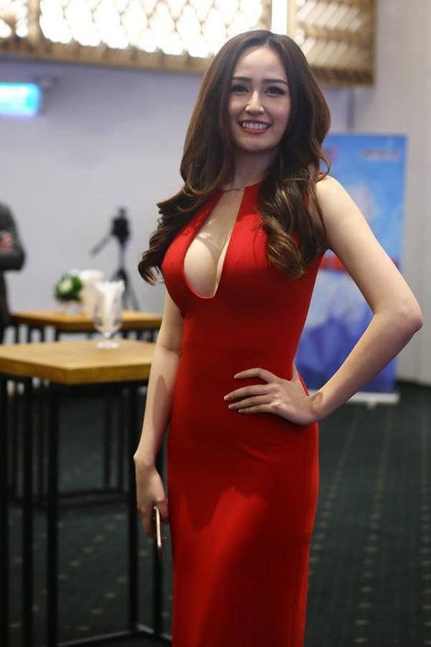 """Mai Phương Thúy khoe ảnh o ép vòng 1 như chực """"trào"""" ra ngoài, Hoa hậu hở bạo nhất Vbiz là đây? - Ảnh 8."""