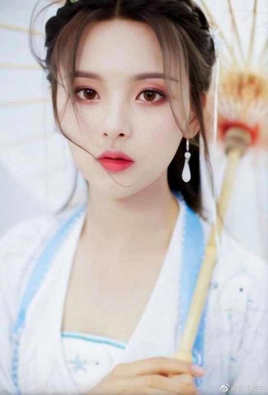 """No.1 Hot Search: Ngu Thư Hân phản ứng khi bị nhận nhầm là """"mỹ nữ đẹp nhất Trung Quốc"""" - Dương Siêu Việt - Ảnh 6."""