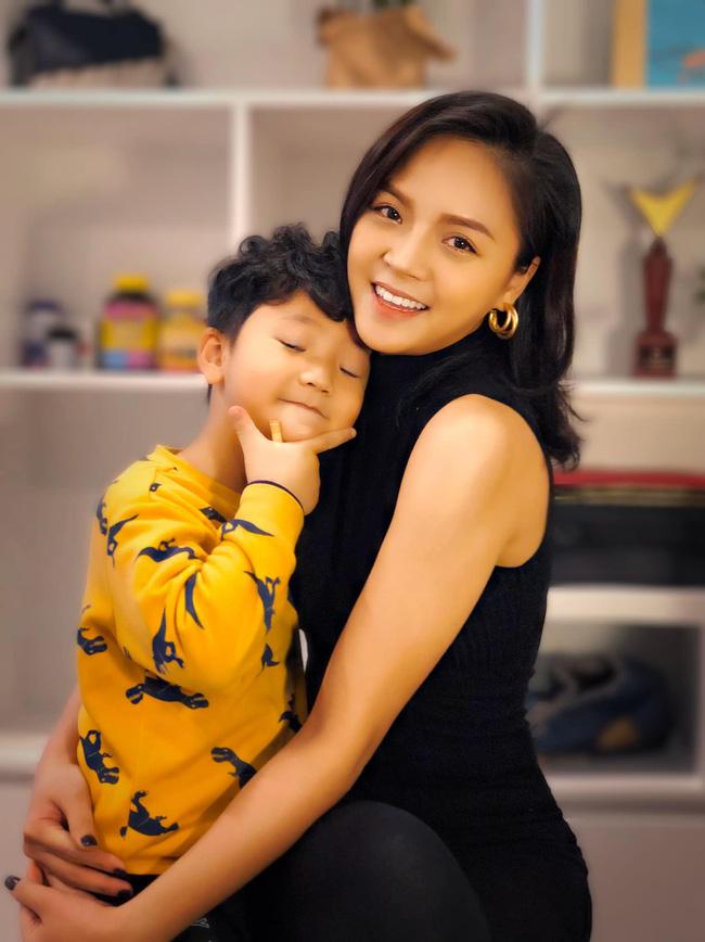 """Thu Quỳnh lần đầu kể chuyện con riêng của bạn trai, phản ứng cực """"chấn động"""" khi được hỏi về đám cưới - Ảnh 2."""