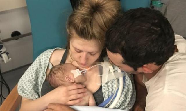 Đi đẻ mà bị nhân viên y tế từ chối không cho nhập viện 3 lần, đến lần thứ 4 lên bàn sinh thì sự cố xảy ra, bé trai tử vong trước khi chào đời - Ảnh 1.
