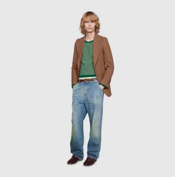 """Gucci khiến giới thời trang cười xỉu khi ra mắt quần jeans phong cách """"xòe xe trời mưa"""" giá 18 triệu - Ảnh 3."""